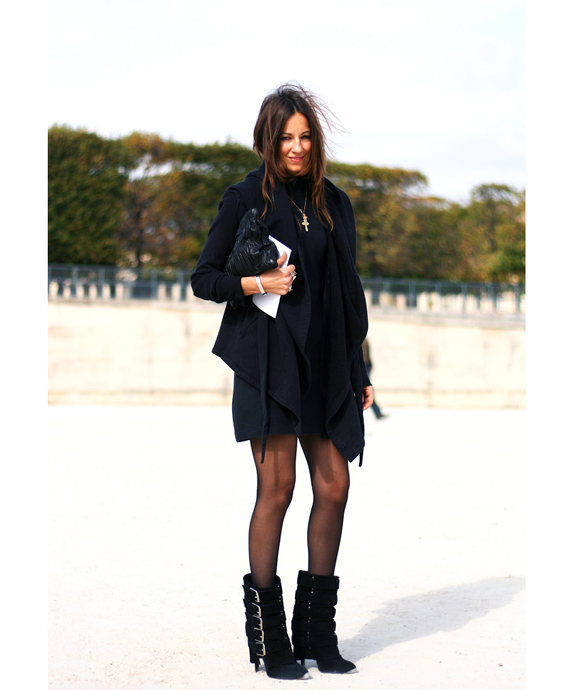 Paris-street-style-buckle-up